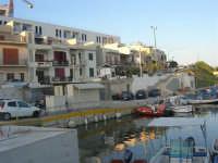 porticciolo e case sul lungomare - 1 agosto 2007  - Marinella di selinunte (881 clic)