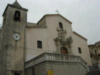 per le vie del paese - Chiesa S. Vito Martire - 17 aprile 2006  - Piana degli albanesi (1817 clic)