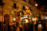 Carnevale 2008 - Sfilata Carri Allegorici lungo il Corso VI Aprile - 2 febbraio 2008   - Alcamo (786 clic)