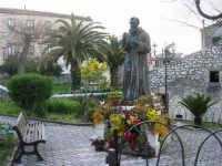 statua di Padre Pio - 9 marzo 2008.  - Chiusa sclafani (1679 clic)