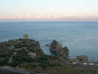 Torri di avvistamento, faraglioni e Tonnara - 19 settembre 2007  - Scopello (938 clic)