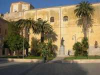 Chiesa di San Domenico e monumento a Tommaso Fazello, frate domenicano - 7 dicembre 2009  - Sciacca (2476 clic)