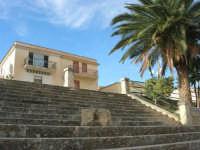 Piazza Fontana: scalinata - 9 novembre 2008  - Sant'anna di caltabellotta (3050 clic)
