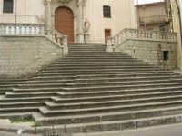 per le vie del paese - Chiesa S. Vito Martire - 17 aprile 2006  - Piana degli albanesi (1428 clic)