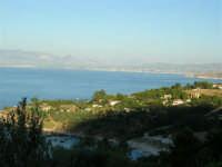 La costa da Cala Mazzo di Sciacca verso Scopello - 7 luglio 2005  - Castellammare del golfo (1502 clic)
