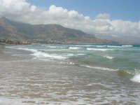 zona Plaja - domenica con mare mosso e qualche nuvola, ma il clima è gradevole - 10 agosto 2008   - Alcamo marina (620 clic)