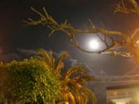 Splende la luna su Alcamo - 8 febbraio 2009   - Alcamo (2943 clic)