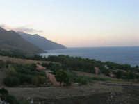 Golfo di Castellammare, guardando verso la Riserva Naturale dello Zingaro - 19 settembre 2007  - Scopello (895 clic)