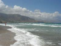 zona Plaja - domenica con mare mosso e qualche nuvola, ma il clima è gradevole - 10 agosto 2008   - Alcamo marina (658 clic)
