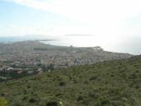panorama con foschia dal monte Erice - Trapani e le isole Egadi - 1 maggio 2009   - Erice (2262 clic)