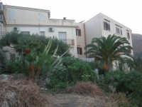 case di periferia - 19 settembre 2007  - Scopello (869 clic)