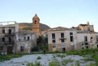 ruderi del paese distrutto dal terremoto del gennaio 1968 - 2 ottobre 2007   - Poggioreale (785 clic)
