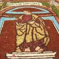 festeggiamenti in onore di Maria Santissima dei Miracoli, patrona di Alcamo - infiorata in Piazza Ciullo, dinanzi la Chiesa di S. Oliva - 21 giugno 2009   - Alcamo (2383 clic)