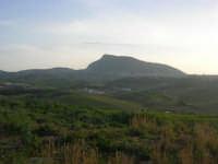 panorama rurale e monte Bonifato - 3 marzo 2009  - Alcamo (3021 clic)