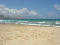 zona Plaja - domenica con mare mosso e qualche nuvola, ma il clima è gradevole - 10 agosto 2008   - Alcamo marina (711 clic)