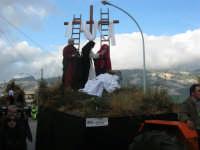 Processione della Via Crucis con gruppi statuari viventi - 5 aprile 2009   - Buseto palizzolo (1585 clic)