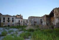 ruderi del paese distrutto dal terremoto del gennaio 1968 - 2 ottobre 2007   - Poggioreale (728 clic)