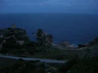 Torre di avvistamento, faraglioni e tonnata . . . a sera - 11 gennaio 2009  - Scopello (2835 clic)