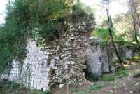 Bosco d'Alcamo - Riserva Naturale Orientata - sul monte Bonifato: La Funtanazza, grande serbatoio pubblico di età medievale - 8 dicembre 2006  - Alcamo (2198 clic)