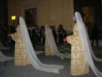 2° Corteo Storico di Santa Rita - Dinanzi la Chiesa S. Antonio - seconda uscita - Dame - 17 maggio 2008  - Castellammare del golfo (477 clic)