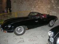 Calici di Stelle - auto d'epoca in mostra sul piazzale del Castello dei Conti di Modica - 10 agosto 2008   - Alcamo (529 clic)