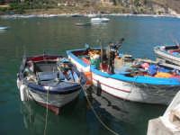 al porto: le barche dei pescatori - 2 ottobre 2007  - Castellammare del golfo (558 clic)