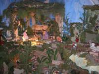 Il grande presepio allestito dalle monache del Monastero di Santa Chiara - Chiesa dei SS. Cosma e Damiano - particolare - 10 gennaio 2009   - Alcamo (4008 clic)