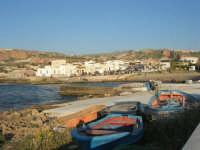 il paese visto dal molo - 27 aprile 2008   - Cornino (1323 clic)