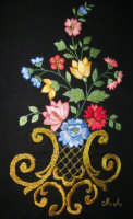 artigianato locale: ricamo a mano (punto erba, punto piatto, punto inzeta e nodini) - lavoro pittoresco eseguito dalla sig.ra Anna Mancuso  - 22 ottobre 2006   - Alcamo (8536 clic)