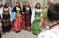 ragazze con gli abiti tradizionali   - Piana degli albanesi (37029 clic)