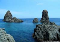 I Faraglioni di Acitrezza (o Isole Ciclopi)   - Aci trezza (2144 clic)