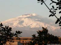 Etna innevato visto dalla cittadella universitaria di Catania.  - Catania (2844 clic)