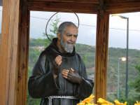 Oasi Padre Pio, la statua.  - Serro di villafranca tirrena (7401 clic)
