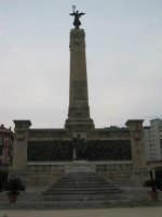 bellissima piazza all'inizio di via libertà PALERMO ISACCO