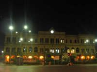 la stazione centrale di palermo vista notturna PALERMO ISACCO