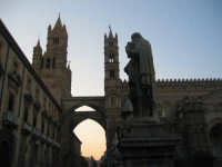 Un altro affascinante angolo della Cattedrale  - Palermo (5729 clic)