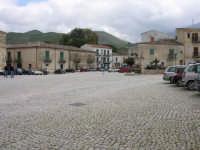 .... ancora la famosa piazza ...  - Palazzo adriano (3281 clic)