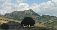 Giuliana. Panorama dalla statale proveniente da Sambuca di Sicilia.  - Giuliana (3906 clic)