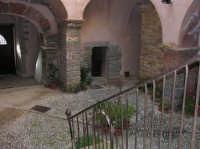 CASTELLO -particolare dell'atrio  - Castelbuono (1528 clic)