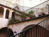 CASTELLO -particolare dell'atrio  - Castelbuono (1373 clic)