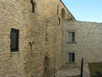 Castello esterno atrio  - Giuliana (1407 clic)