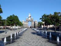 Piazza Garibaldi e Arco di trionfo.  - Catania (3136 clic)
