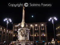 Piazza Duomo  - Catania (2261 clic)