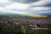 Panoramica su Ramacca. Veduta dalle colline di cristallo.  - Ramacca (6858 clic)