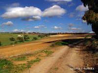 c/da San Paolo con nuvole da poter quasi accarezzare  - Caltagirone (2432 clic)