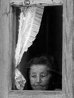 Da dietro un vetro ... aspetta, per compagni i solchi del tempo  - Scordia (2947 clic)