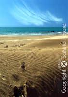 un mare di sabbia, un cielo di mare.  - Sampieri (3836 clic)