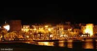 Mondello by night - visuale notturna della famosa località balneare  - Mondello (5772 clic)
