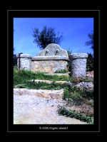 Copia di un'antica fontana nella riserva di Capo Gallo lato Barcarello (Sett 2005) L  - Sferracavallo (3406 clic)