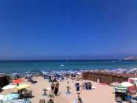 Capaci - Uno dei tanti lidi balneari sulla spiaggia (27 ago 2005) XIX  - Capaci (20528 clic)